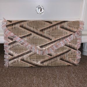 Urban Expressions Woven Clutch w/ Removable Strap